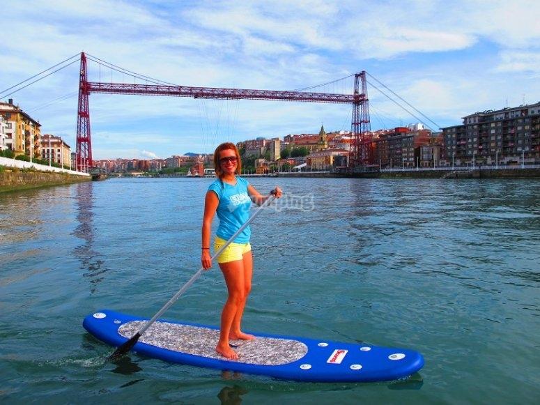 Navega por la ría de Bilbao