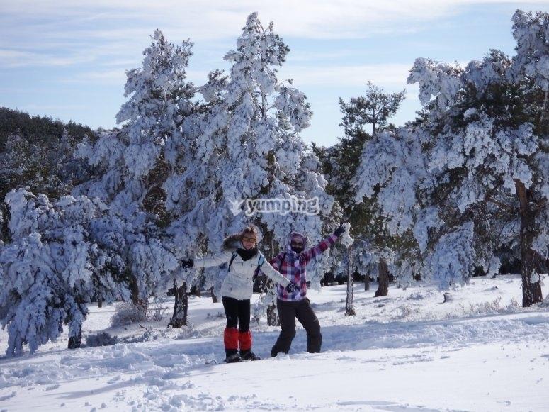Paseando por Sierra Mágina con raquetas de nieve