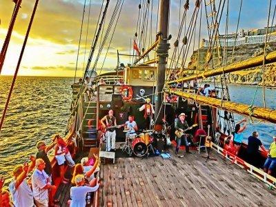 CostadeMogán帆船,现场音乐和晚餐,4小时
