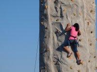 Escalando el rocódromo