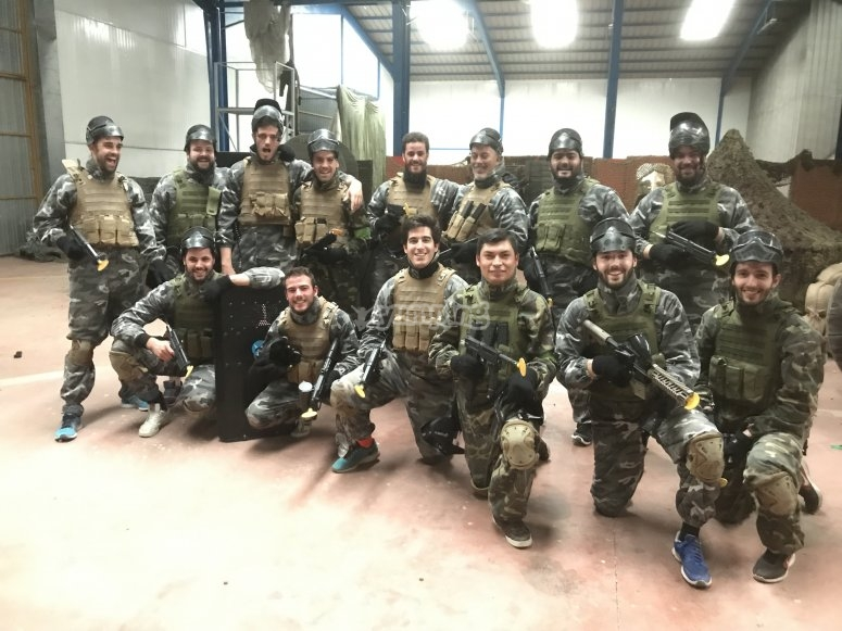 Play with your friends to paintball in Madrid