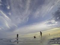 在塔拉戈纳划桨冲浪