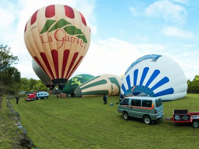 Balloon flight in La Garrotxa + breakfast (adults)