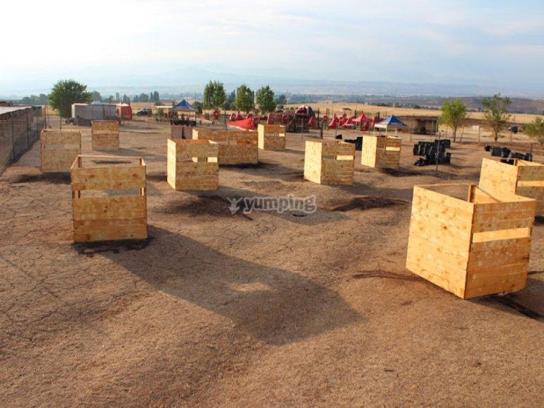 Amplio campo de paintball