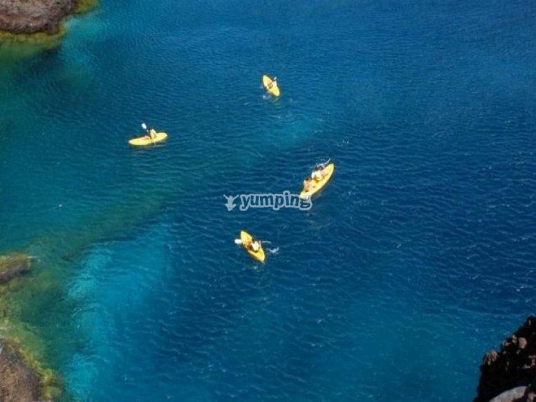Kayaks junto a Los Gigantes
