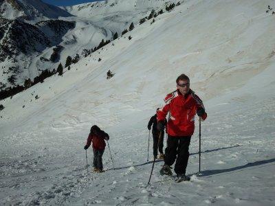 Raquetas de nieve en Queralbs 1 día para grupos