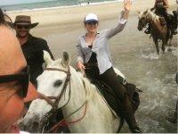 Paseo con los caballos en la playa