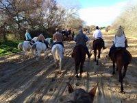 Por el campo a caballo
