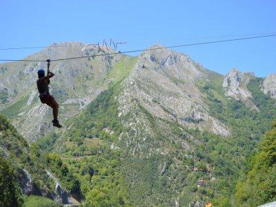 Vidosa multiaventura Tirolina