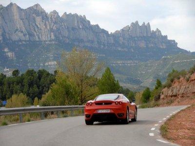 Ruta de Montserrat en coche de lujo a elegir, 90km