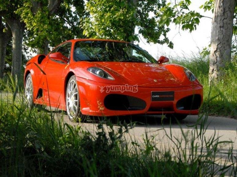 Conduce un Ferrari y un segway