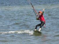 Joven alumno de kite en Cangas