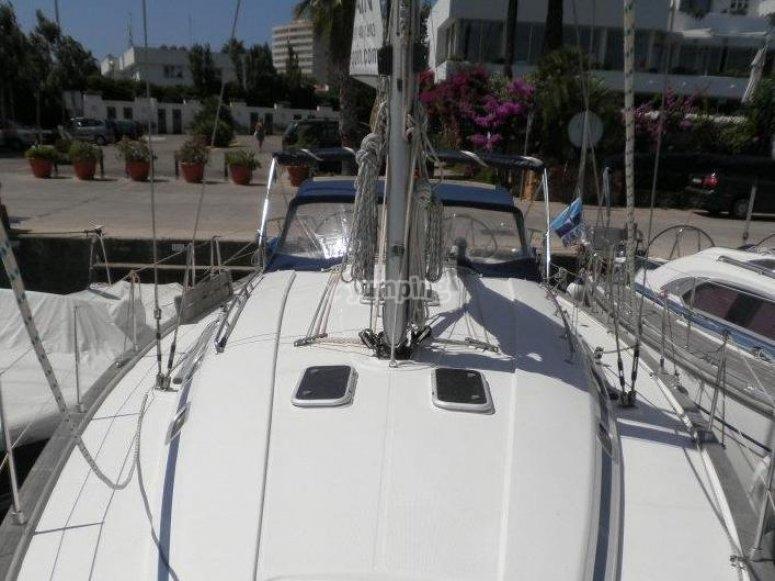 Nuestro barco en el puerto