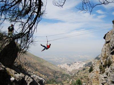Sesión multiaventura, escalada y rappel en Cazorla