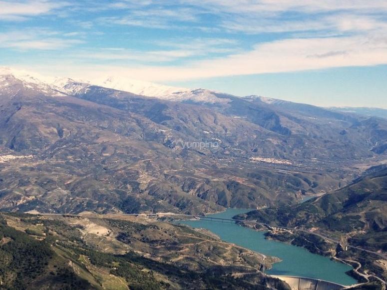Rules reservoir and Sierra de la Alpujarra