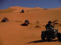 Grupo de pilotos de buggies en Marruecos