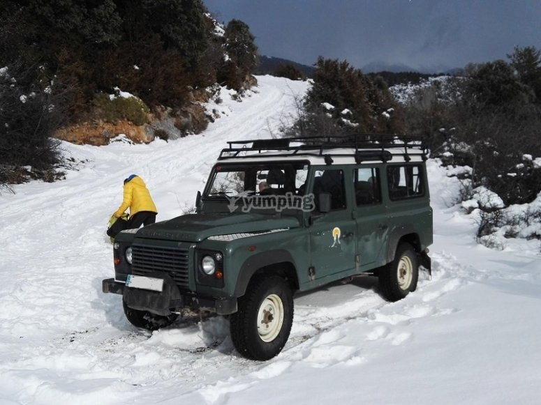 Departure in an 4x4 in Ordesa and Monte Perdido