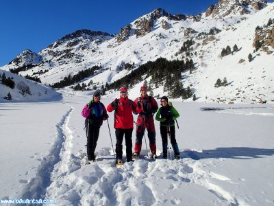 在La Cerdanya或Berguedà进行雪鞋行走。 5-6小时