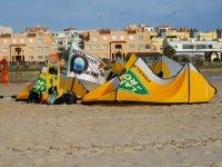 Nuestro puesto en la playa de Tarifa