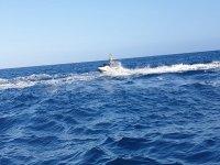 Tomando velocidad en la moto de agua