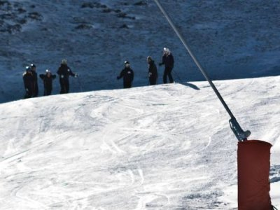 Skiing induction in the Pyrenees 2 h