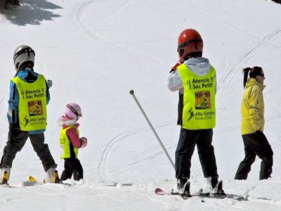 Skiing for children begginers in La Molina 2h