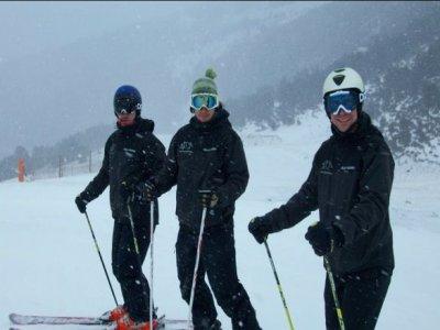比利牛斯山的私人滑雪课程1小时