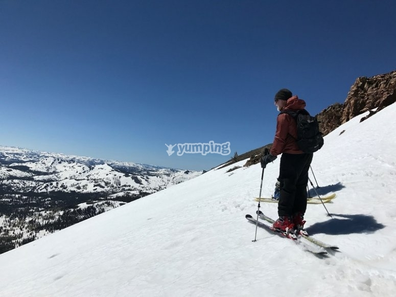 Skier looking the horizon