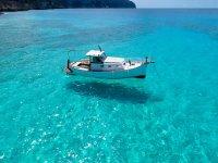 Navegando en cristalinas aguas