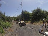 Camino arriba con el quad