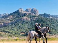 骑马时的壮丽景色