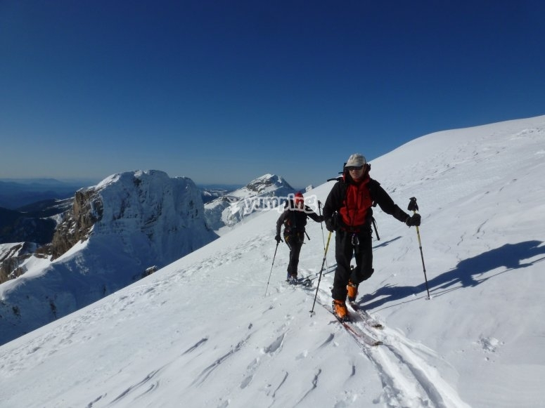 Ascent to Aspe with skis