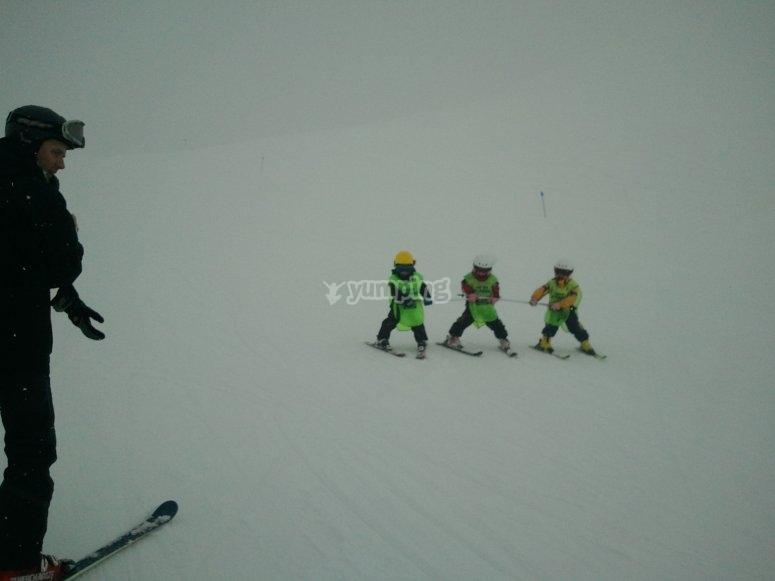 Skiing in Astún