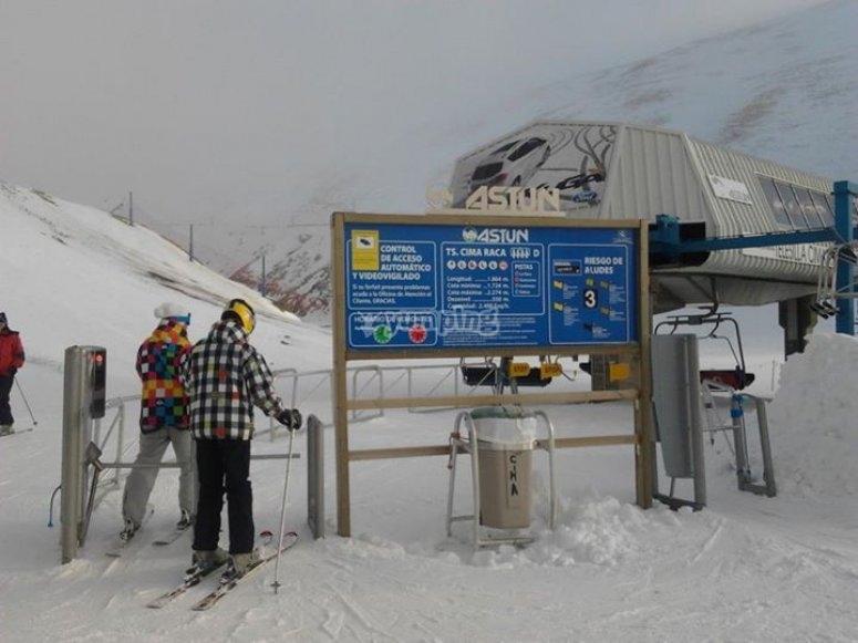 阿斯图恩滑雪