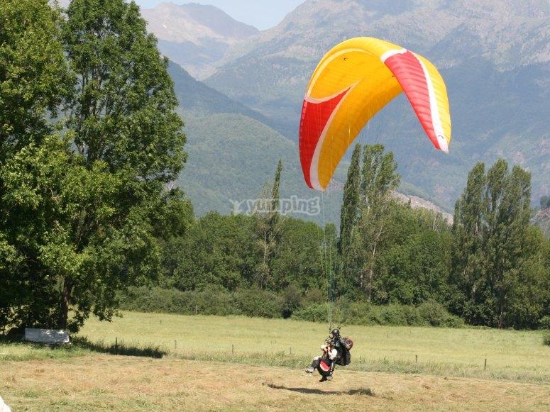 Aterrizando con el parapente