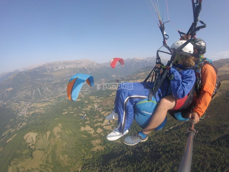 Aerial experience in tandem paragliding