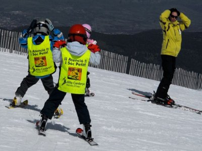 Beginners ski class for children in Masella, 2h