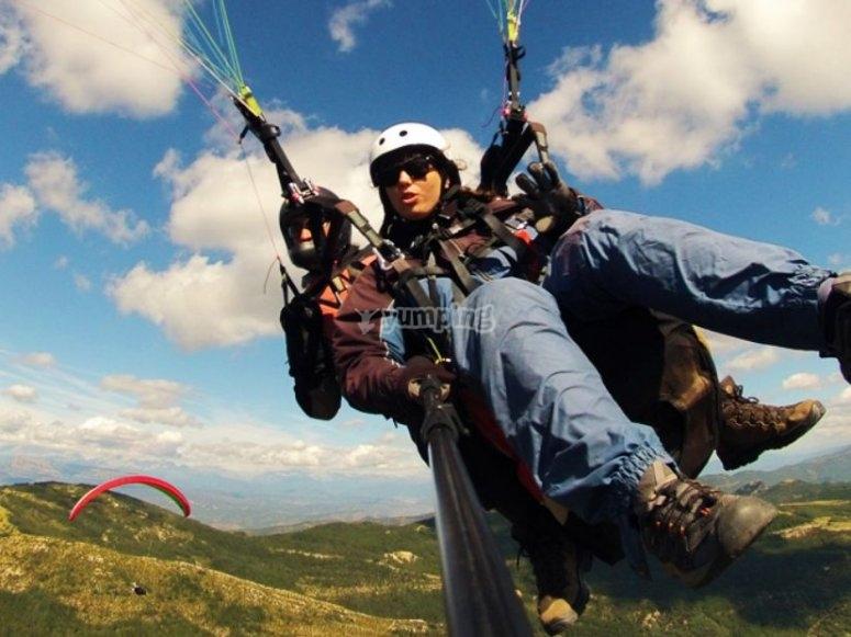 同时滑翔伞游乐设施