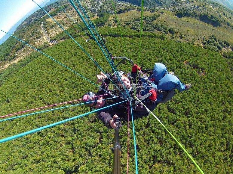 滑翔伞冒险