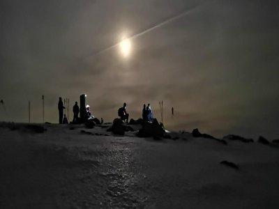 Ruta raquetas nieve nocturna Navacerrada 4 horas