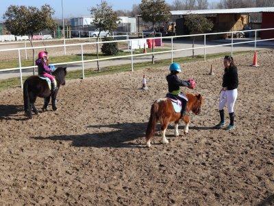 Cumpleaños para niños con caballos y merienda