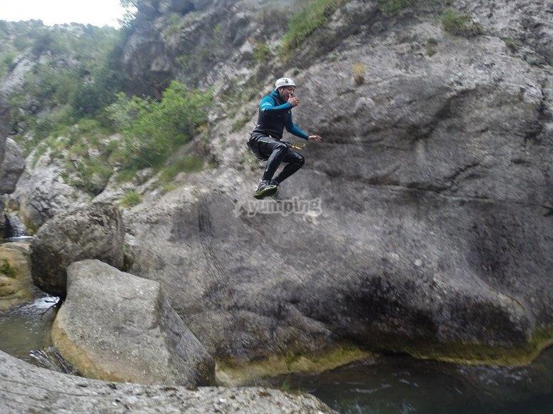 Espectacular salto en barranco de Boixols