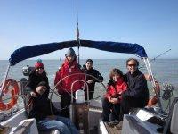 Grupo a bordo del velero en L Escala