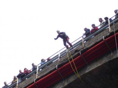 Salto de puenting en Molleres de Canillo a 25m