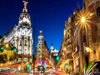 Guided visit through Puerta de Alcalá Weekends