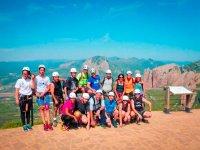 Grupo de ferrata en el mirador en Huesca