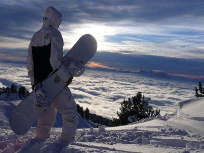 1 ora di lezioni di snowboard