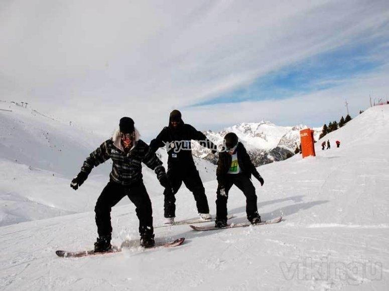 在masella的滑雪板上移动