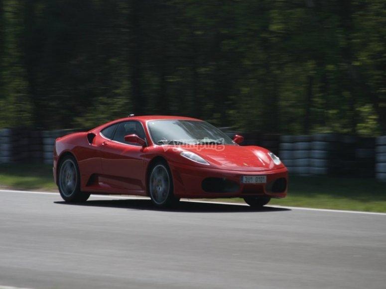 Guida una Ferrari F430 F1 a Montmeló