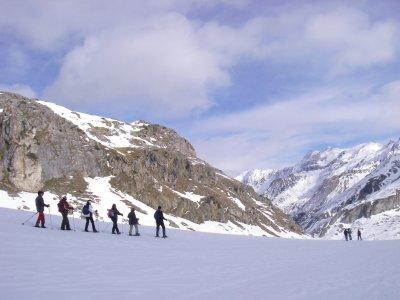 Ruta raquetas nieve medio día nivel fácil Formigal